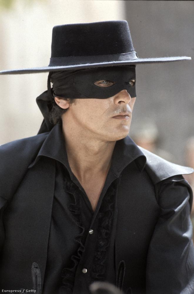 Alain Delon 1975-ben, Zorro szerepében.