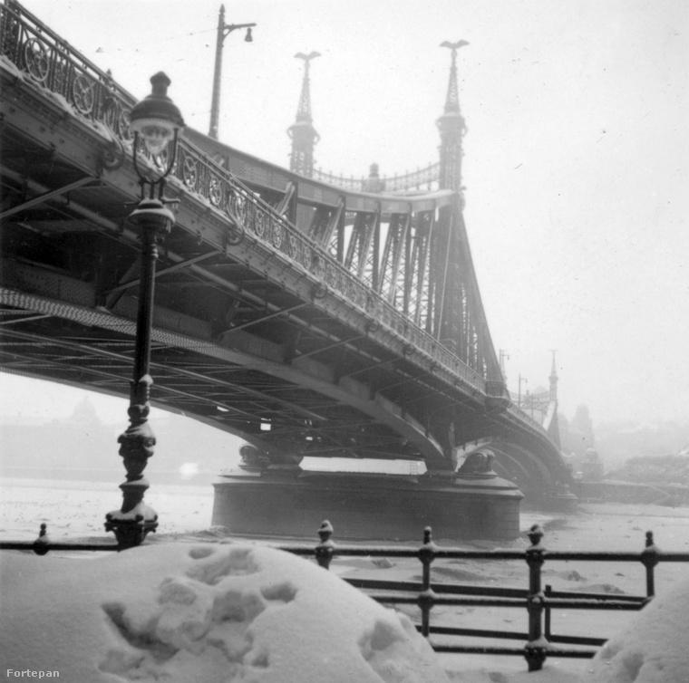 Hó, jég, hó, jég 1932-ben