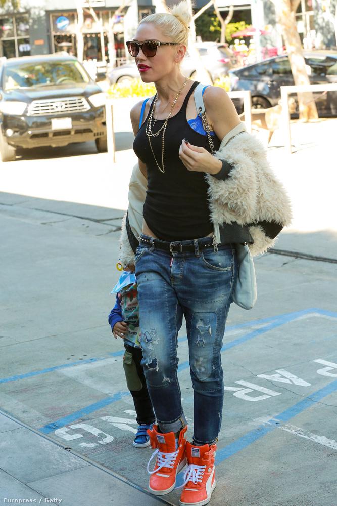 Már az is hivatalos, hogy Blake és Stefani randizgatnak