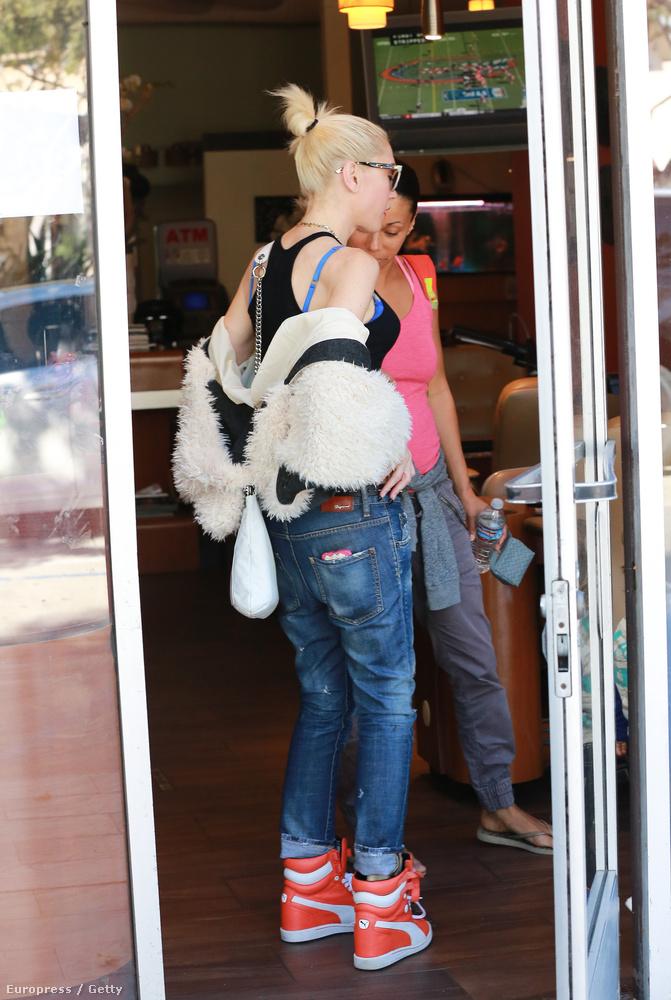 Gwen Stefani Los Angelesben ment be egy állatkereskedésbe