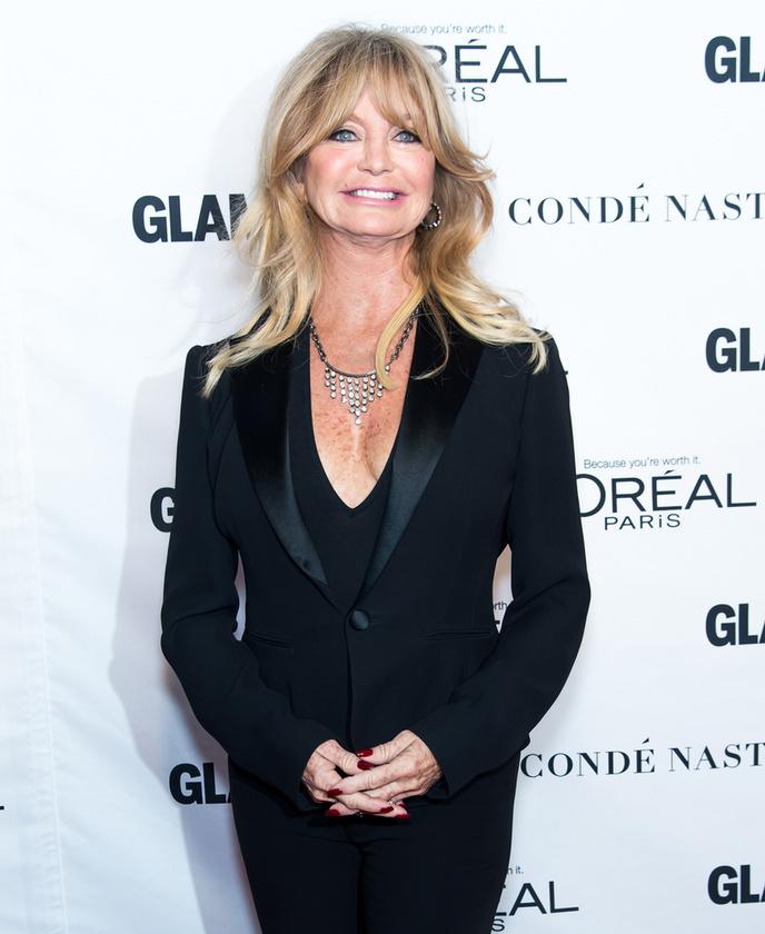 Goldie Hawn visszafogottan.