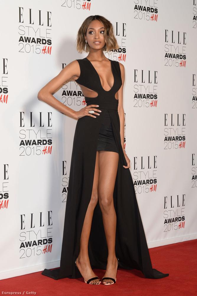 Jourdan Dunn modell az Elle Style Awardson igyekezett ilyen kétségbeesetten, hogy ne villantson.