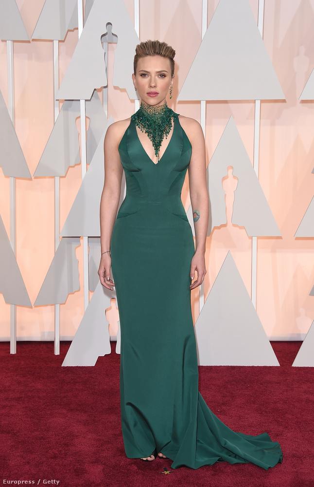 Valami volt idén a levegőben, mert még olyan szupernők, mint Scarlett Johansson is választottak rosszul ruhát fontos eseményekre