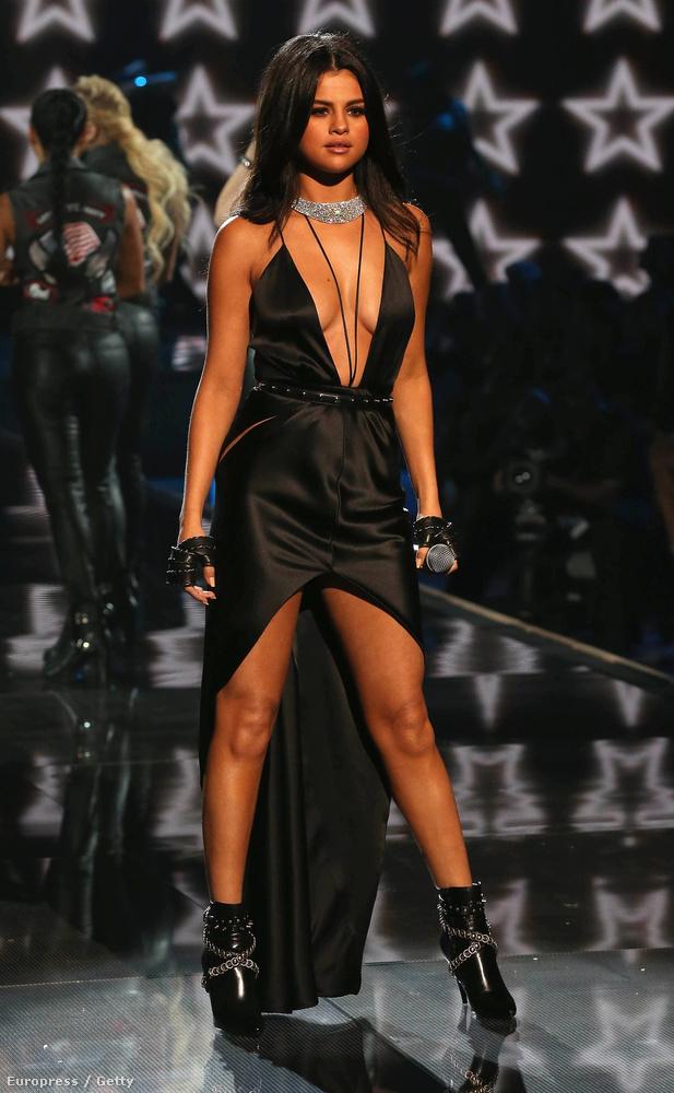 Selena Gomez nagyon magabiztos volt a színpadon.