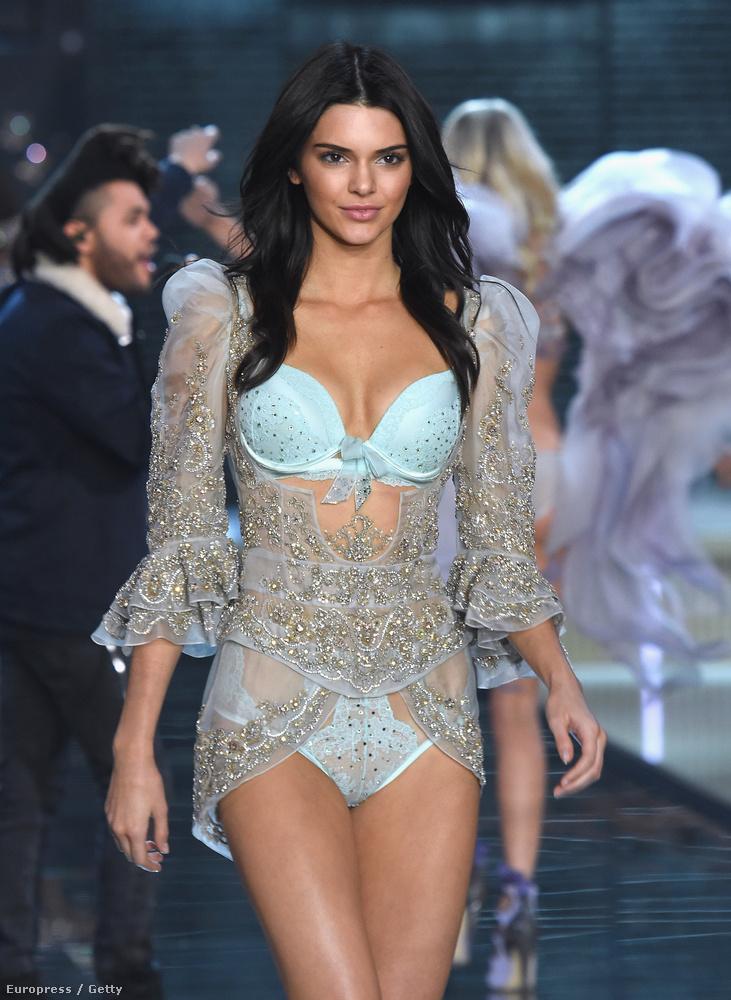 Kendall Jenner realityceleb-modell tulajdonképpen a csúcsra ért múlt éjjel, amikor szerepelhetett a Victoria's Secret divatshowján.