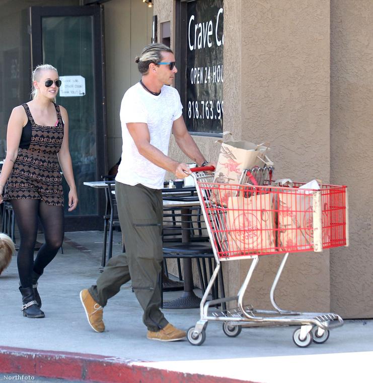 Sőt, a US Weekly rettentően jól informált emberei azt is tudni vélik, hogy Gwen Stefanit az is teljesen kiborította, hogy a dadus látványosan másolja külsejét.
