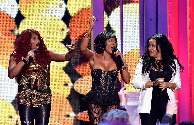 Azt is megmutatta, hogy a Salt-N-Pepa tagjával együtt milyen jól tudnak énekelni.