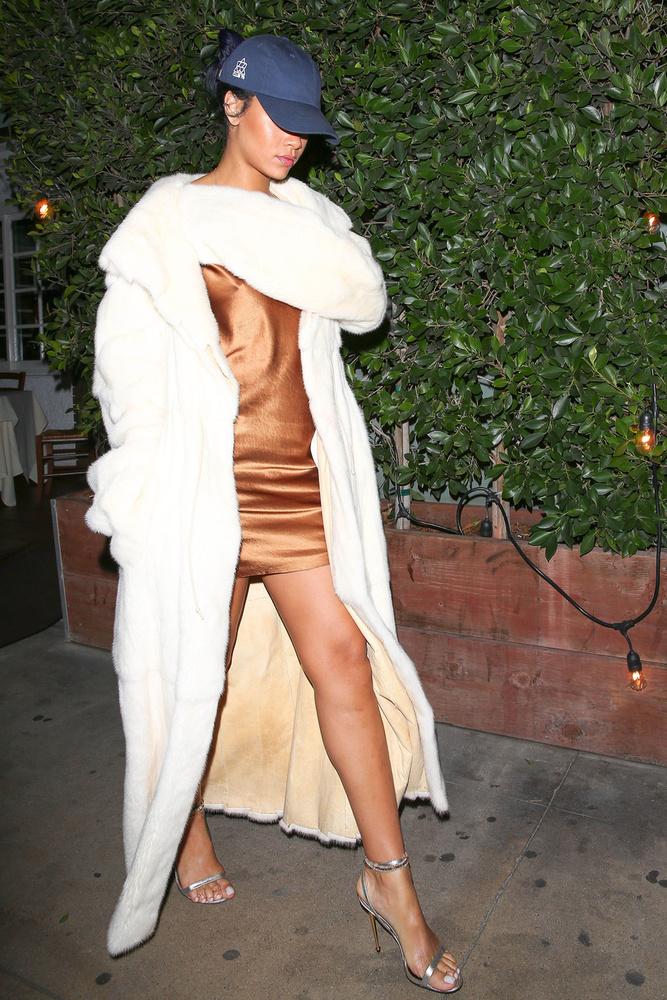Rihanna új ügynökségre váltott a napokra, szerződést kötött a Fr8me-mel