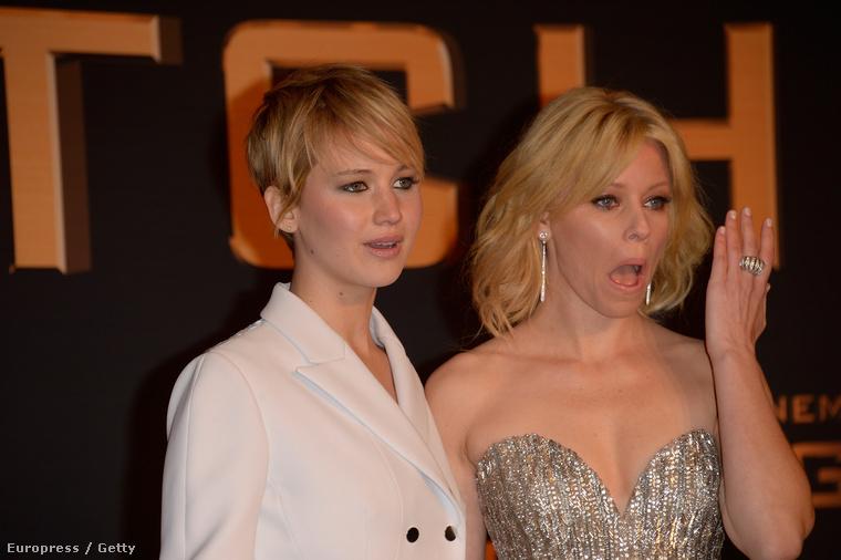 Sosem tudtuk meg, miért sírt a két színésznő.
