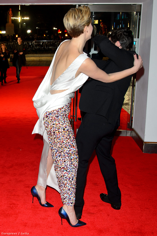 A második rész londoni premierjén tetőzött az erőszak.