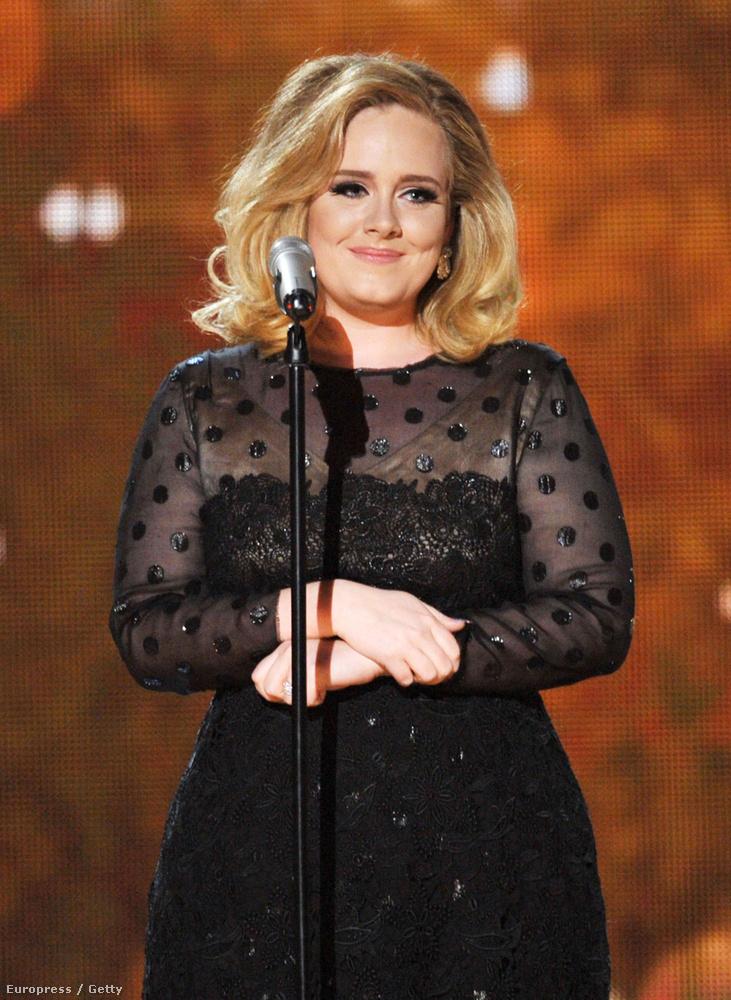 2012: a Grammy díjak és az átlátszó dekoltázs éve volt.