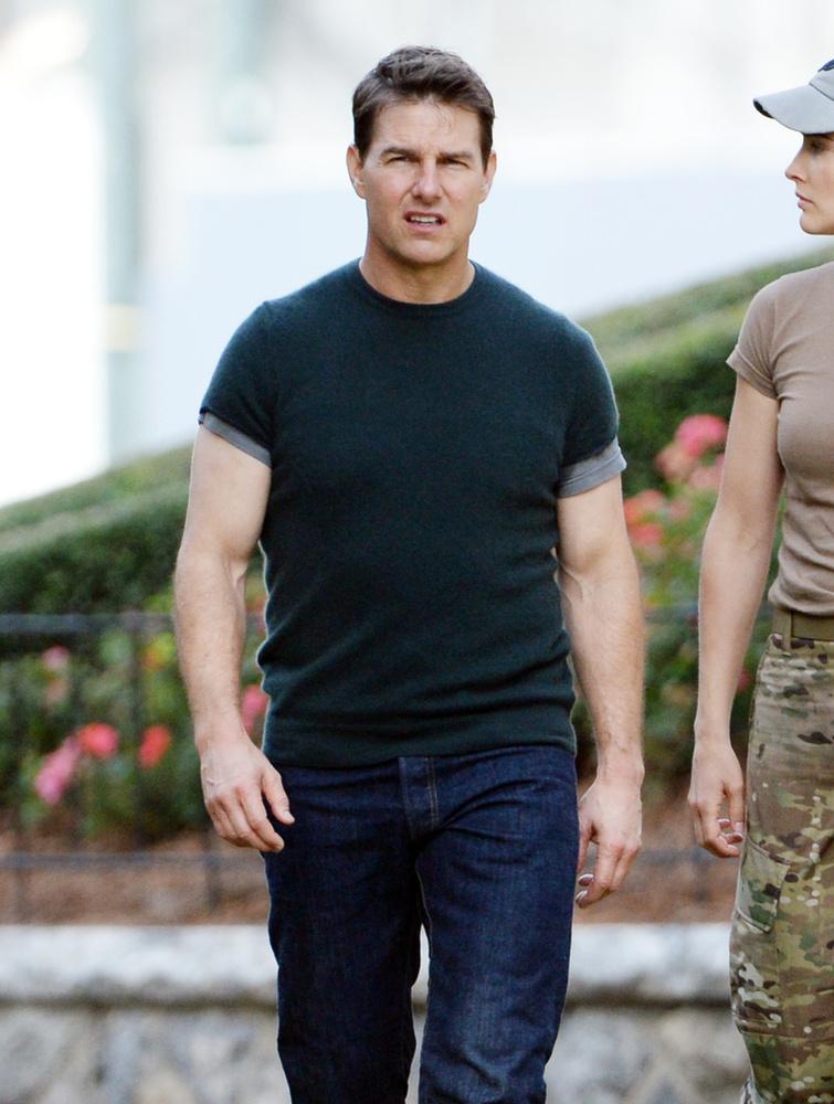 Tom Cruise forgat, és  egyre izmosabb.