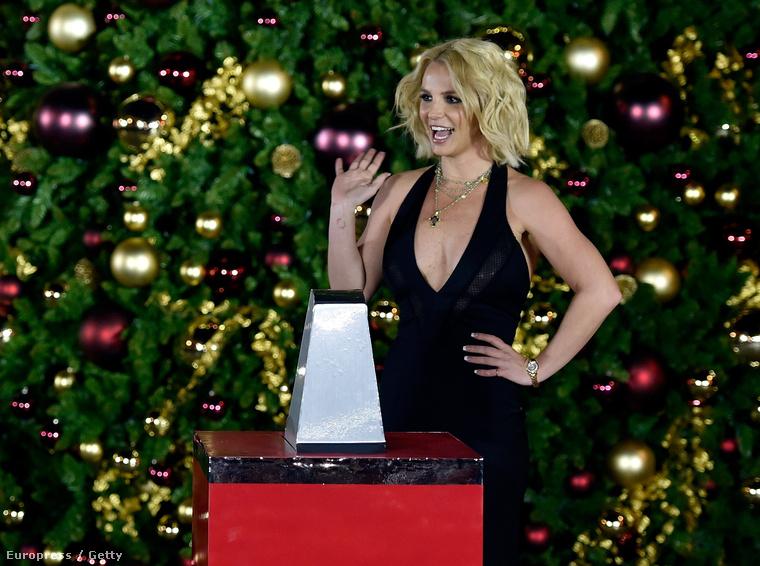 Nem, a képen nem Zimány Linda, hanem még mindig Britney Spears látható