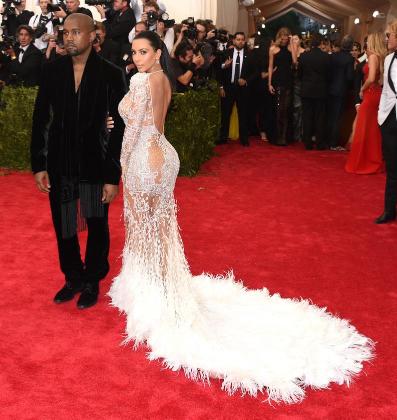De arra Kim Kardashian sem számíthatott, hogy pont testvérei próbálják majd letaszítani a trónjáról