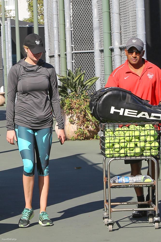 Igen Kate, ezek teniszlabdák, te ezt a méretet nem nagyon ismered.