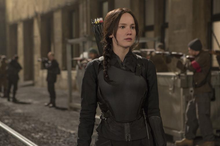 Lawrence pedig Katniss Everdeent játssza Az éhezők viadalában