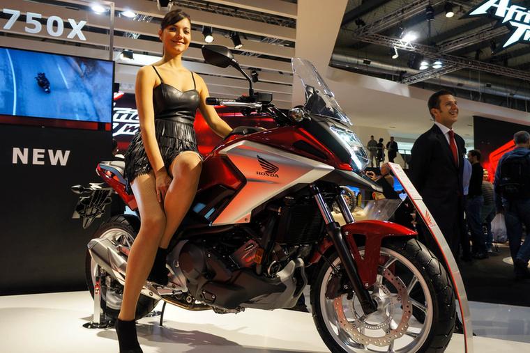 A Honda NC750X is új arcot kap 2016-ra