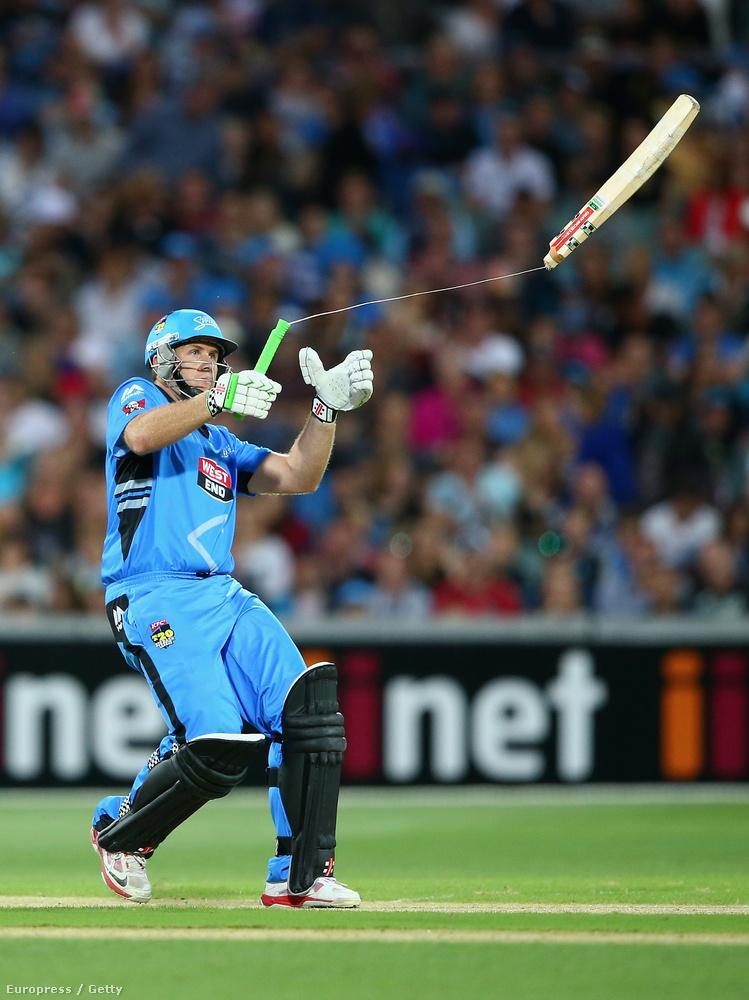 Craig Simmons, az Adelaide Strikers krikettcsapat tagja idén januárban az Adeilaide Strikers-Sydney Sixers-meccsen.