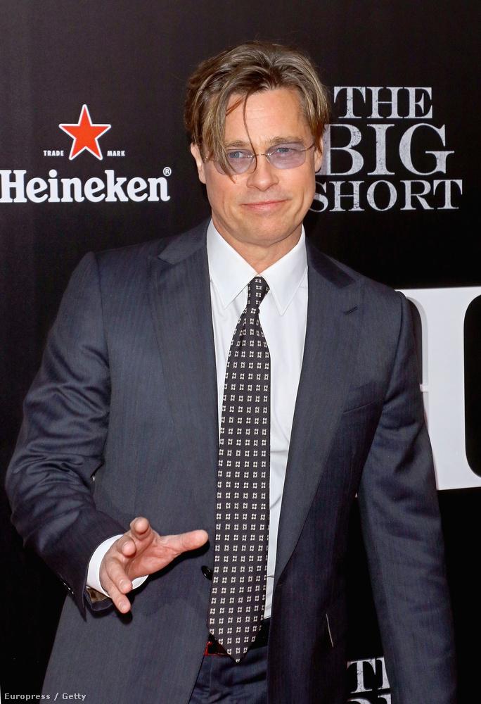 Rácsodálkoztunk arra is, hogy Brad Pitt egészen szörnyen néz ki, sőt, egy kicsit talán elkezdett hasonlítani Val Kilmerre, ami nem feltétlenül bók