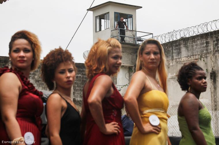 Ezért a rabok részt vehetnek egy szépségversenyen, ami a börtönfalakat leszámítva pont olyan, mint minden más szépségverseny.