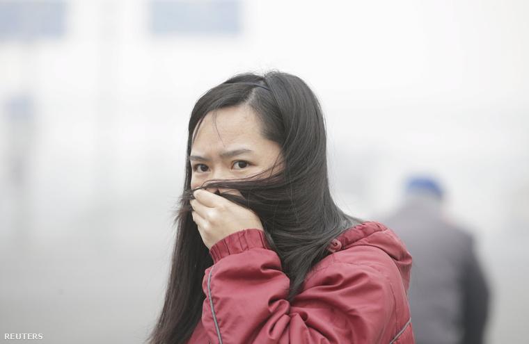 A szmognak az utóbbi napok időjárása, a fűtési szezon kezdete és a gyenge szél sem tett jót