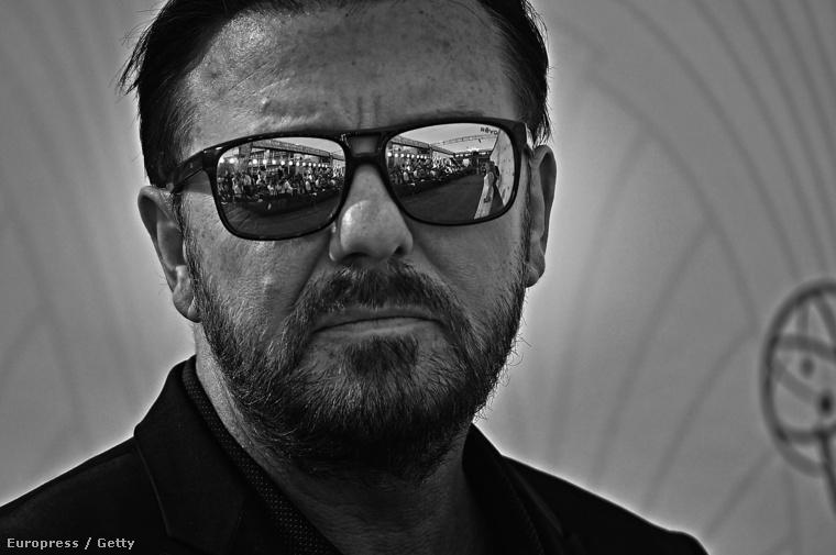 Ricky Gervais az Emmy-díjátadón 2015 szeptemberében