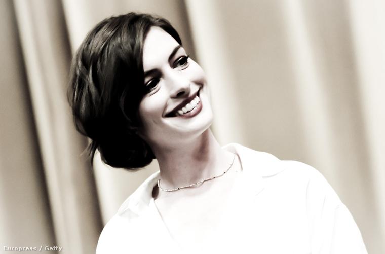 Anne Hathaway a Palm Springs-i filmfesztiválon 2015 januárjában.