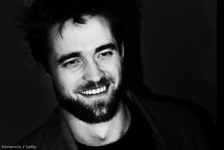 Robert Pattinson a Berlinálén 2015 februárjában.
