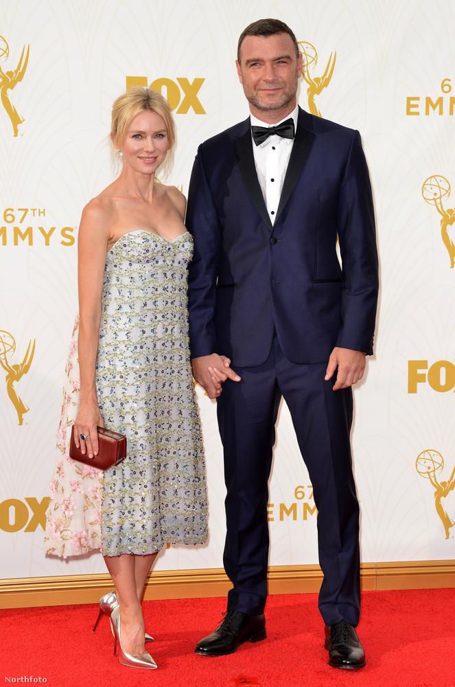 De ilyen a természetesebb valója - férjével, Liev Schreiber színésszel látható.