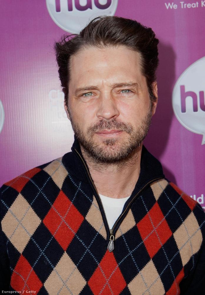 A férfi Jason 90210 Priestley,