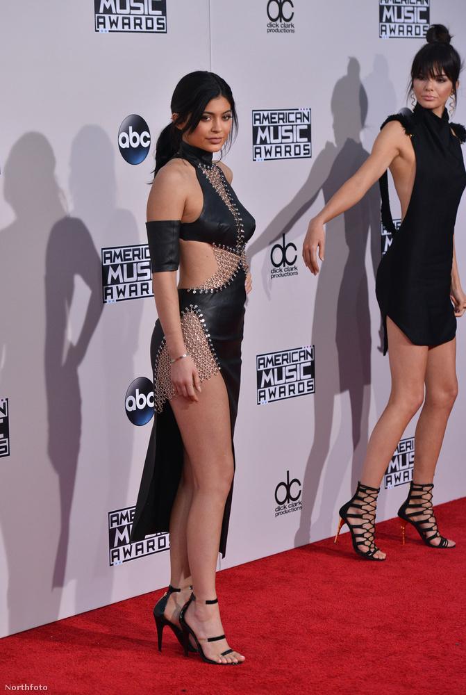 Igen, Kylie és Kendall Jennert láthatták,