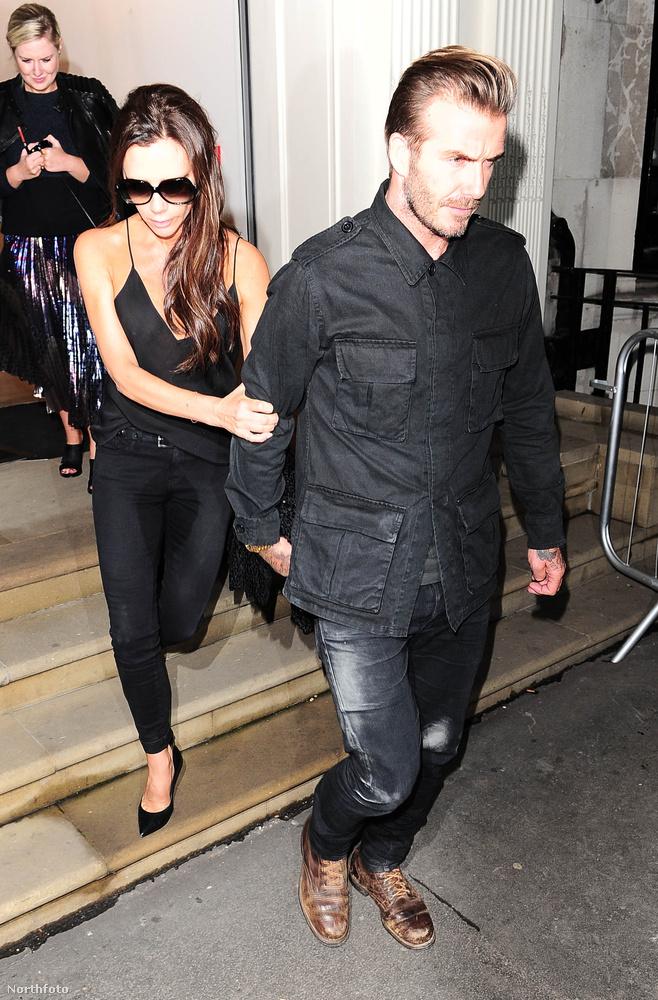 Szeptember                         Talán soha nem tudjuk meg, hogy mi történt Victoria Beckham nadrágjával 2015 szeptemberében