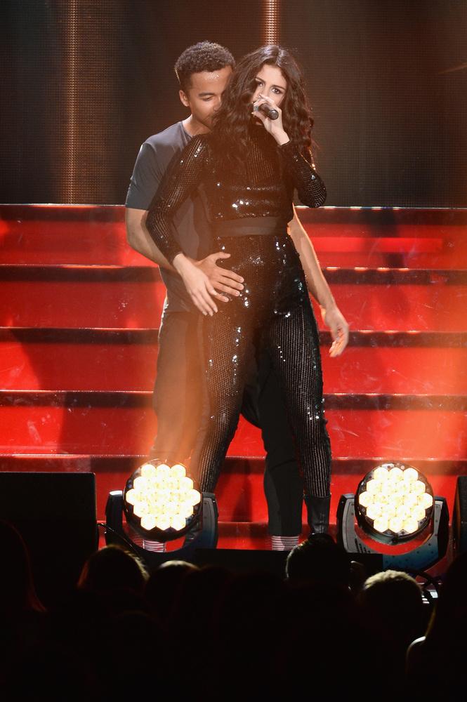 Selena Gomez Chicagóban koncertezett, erről következik 10 darab kép