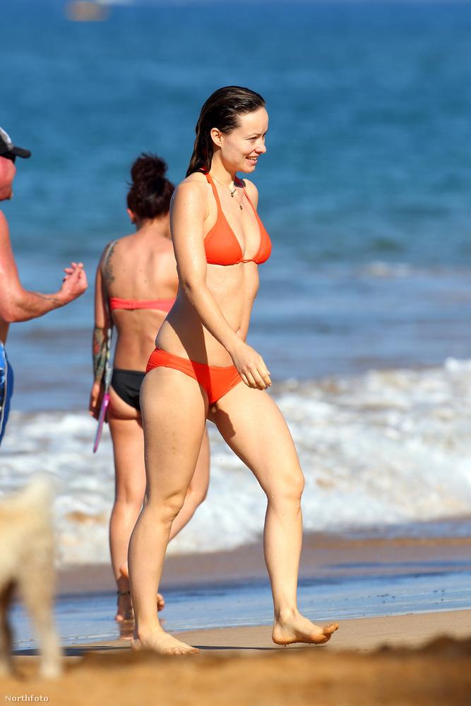 Olivia Wilde pedig különböző bikinikben mutatta meg, milyen jól néz ki.