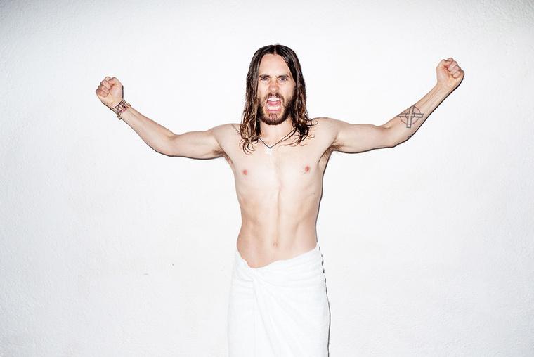 ...ezért is nehezen ismertük fel az egyébként nem feltétlenül szétgyúrt testről elhíresült Jared Letót.