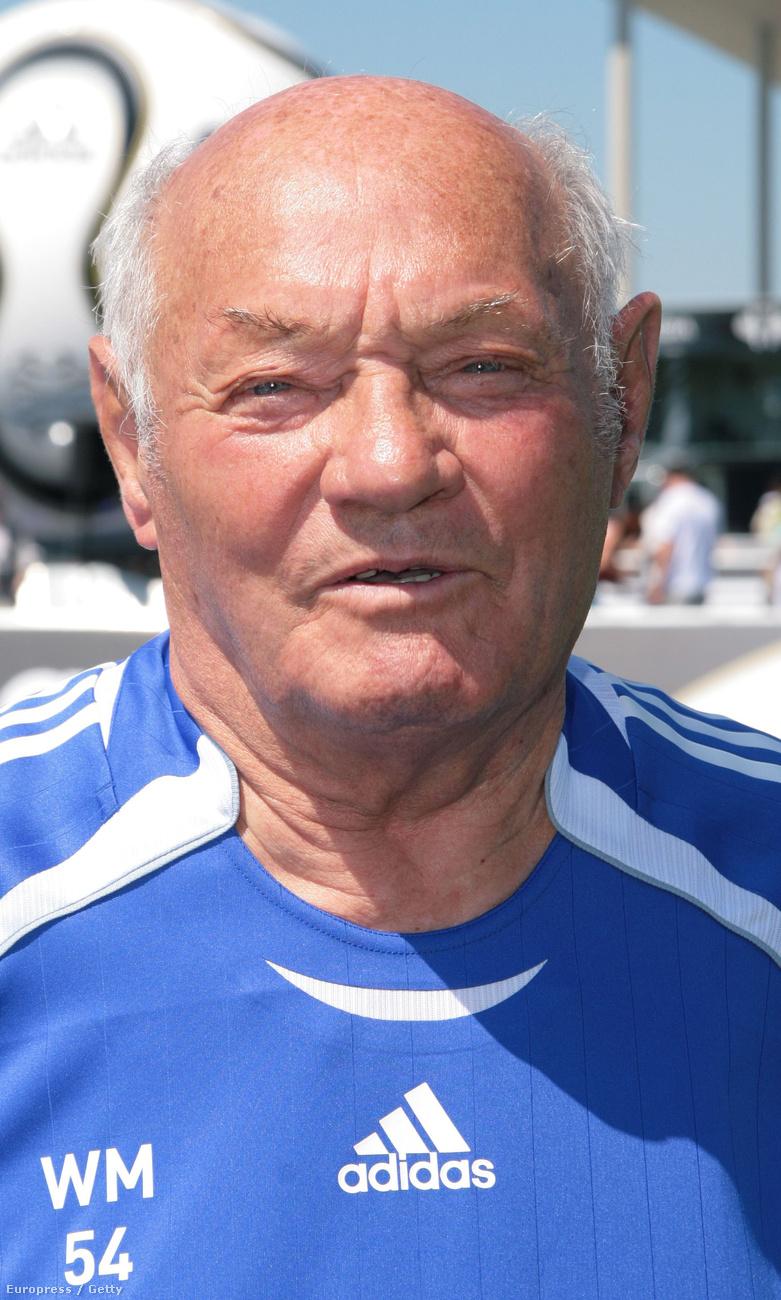 Buzánszky JenőA legendás  hátvéd január 11-én halt meg, 89 évesen