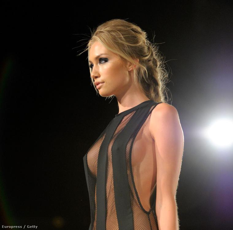 De most gyorsan térjünk át a nőkre! Rekordszámú olvasó volt kíváncsi erre a gyönyörű modellre, aki a Miamiban tartott divathéten tűnt fel
