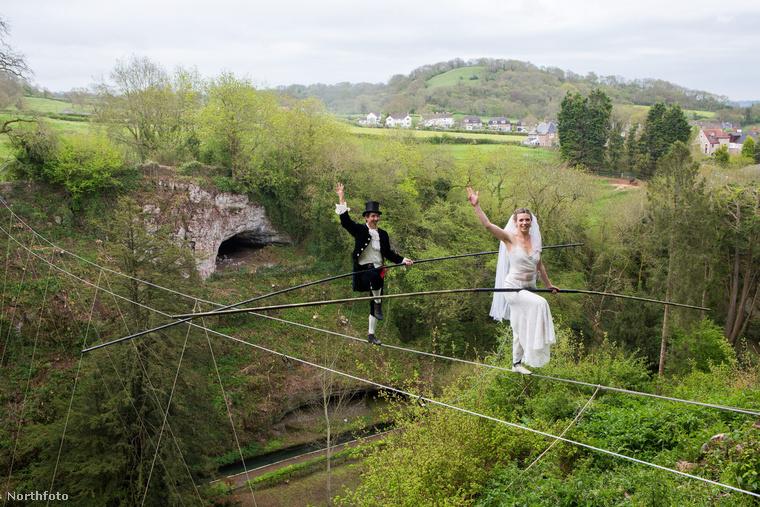 Miért, ön nem kötéltáncolt az esküvőjén egy 25 méter mély völgy fölött?