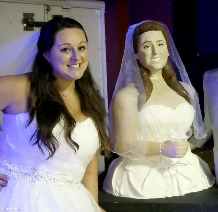 Ez a menyasszony 29 éves, Lara Mason a neve, és saját maga sütötte a tortákat az esküvőjére