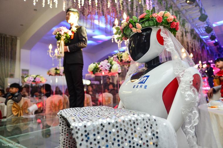 Az ötödik hülyeesküvő pedig Kínában volt novemberben