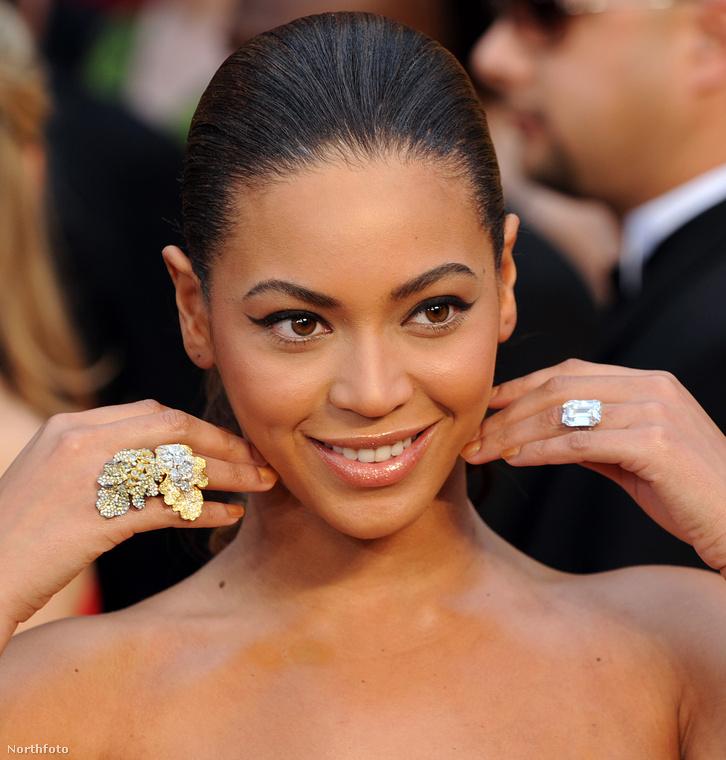 18Igen, a celebvilág egyik legnagyobb gyémántja Beyoncéé, Jay Z-től kapta és 3,6 grammot nyom