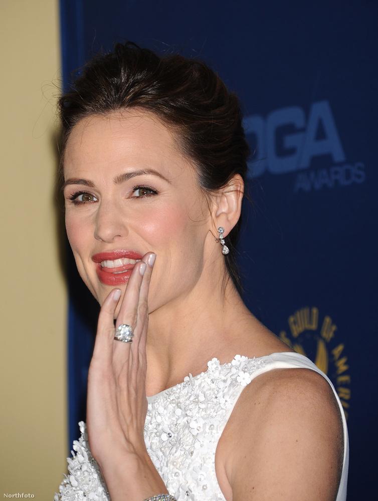 4,5Amíg Jennifer Garner Ben Affleck felesége volt, ezt a négy és fél karátos gyémántot viselte az ujján