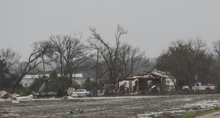Texasban több lakóház is teljesen lakhatatlanná vált a tornádó miatt