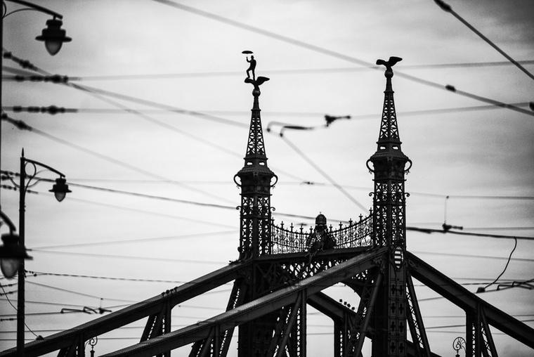 Régóta figyelemmel követjük Kálló Péter fotós munkásságát - nemrég pedig belefutottunk Balance elnevezésű fotósorozatába.