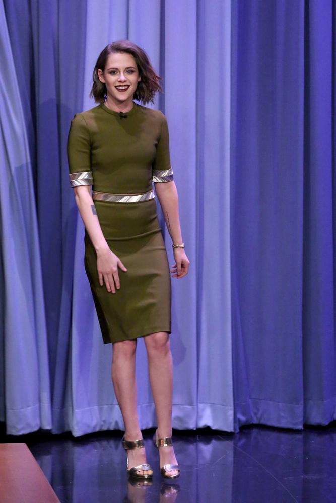 Kristen Stewart jó hangulatban érkezett a forgatásra.