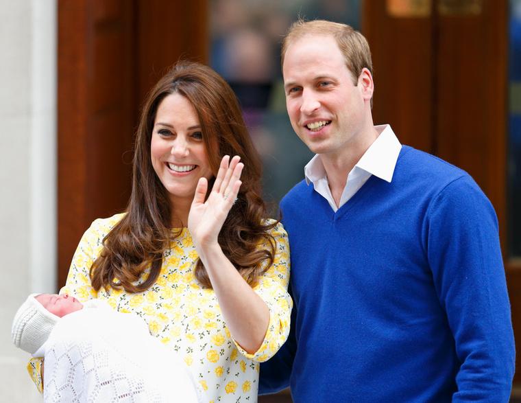 Aztán 2015 májusában megszületett a második gyerekük is, Sarolta hercegnő
