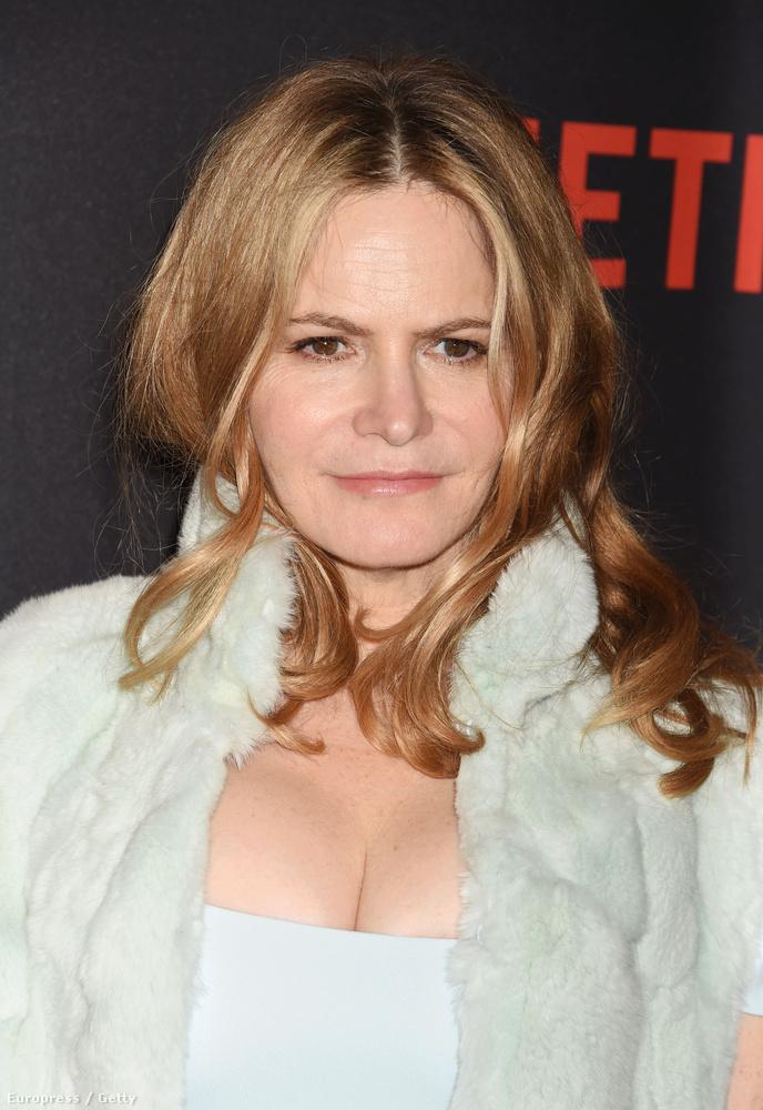 Legjobb női mellékszereplőlehet például Jennifer Jason Leigh, az Aljas nyolcas című filmben nyújtott teljesítménye miatt, és nem lenne csoda, ha megkapná.