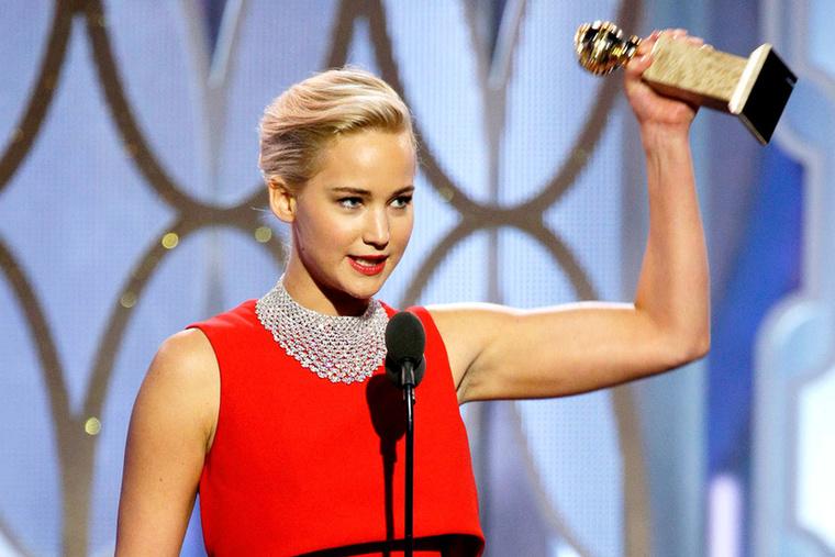 BotrányJennifer Lawrence is kapott Golden Globe-ot, aztán egy újságíróval bunkózott egy sort.