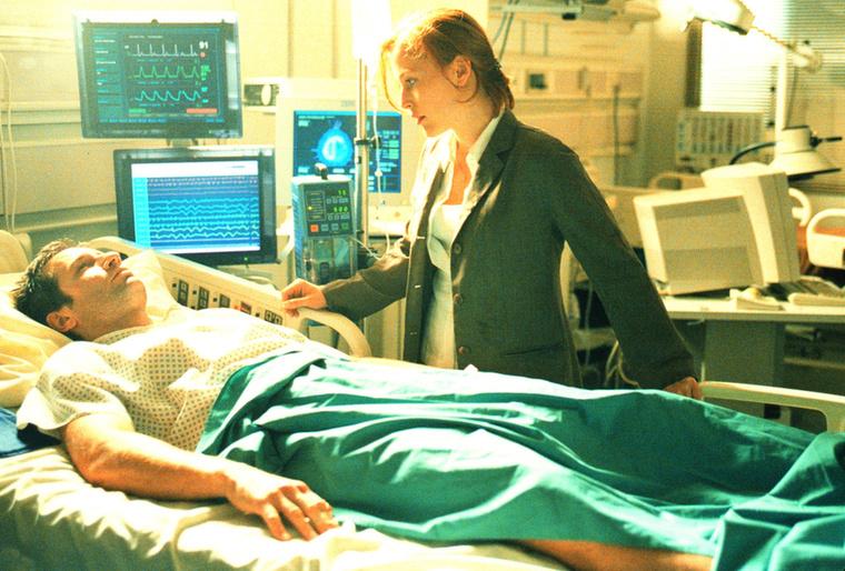 Scully akkor sem mondott le Mulderről, amikor Nagy Baj Volt.