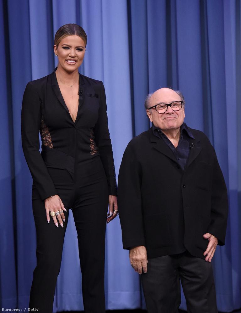 Dávid és GóliátKhloe Kardashian és Danny DeVito Jimmy Fallon műsorában diliztek.
